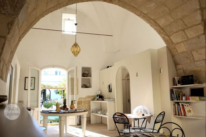 Palazzo Guglielmo Breakfast room (2)